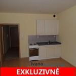 Pronájem světlého bytu 1+kk, 30 m2, V Zeleném údolí, Praha 4 - Kunratice