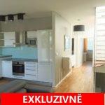 Prodej velmi světlého bytu, s balkonem a úžasnou střešní terasou, 99 m2, ul. Pod Průsekem,  Praha 10 - Hostivař