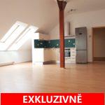 ( Pronajato ) Pronájem prostorného bytu 2+kk se sklepem a parkovacím stáním na pozemku domu, 68 m2, Rakouská ul. Milovice - část Mladá